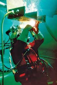Underwater welding helmet