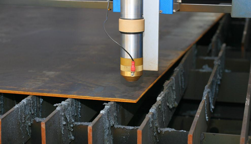 how to cut holes with plasma cutter