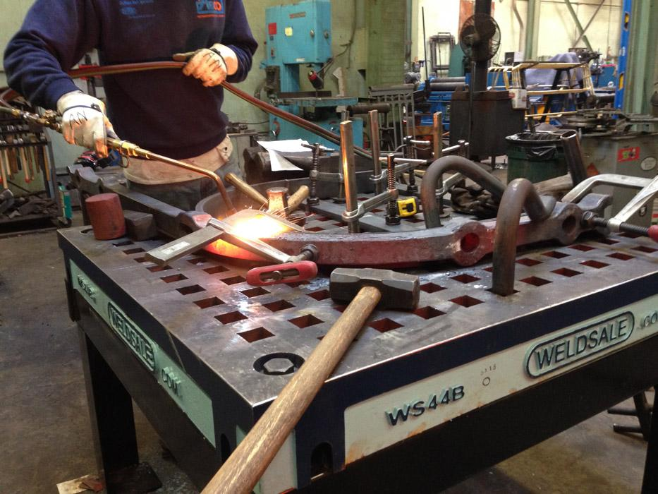 7 Reasons Cast Iron Platen Tables Make Sense For Welding