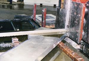 ¿Menos lubricante dacomo resultado un mejor aserrado? - TheFabricator.com