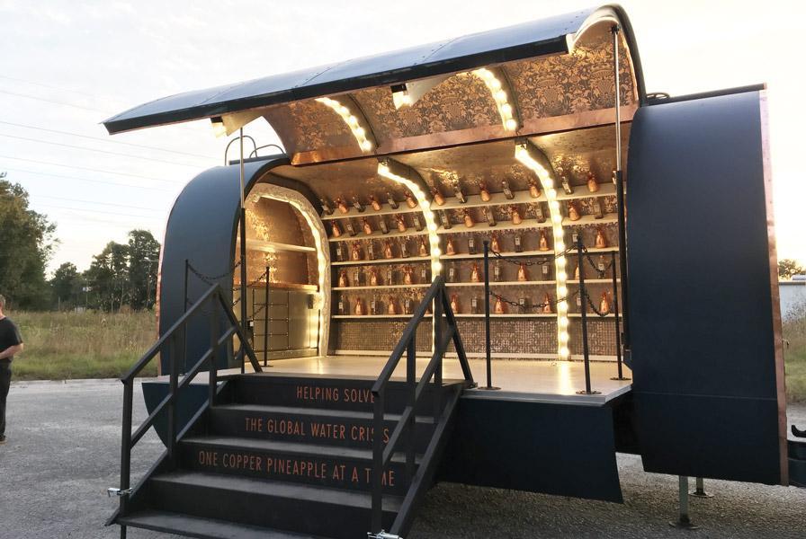 Bar Lounge Mobel ~ Fabricating a mobile lounge the fabricator