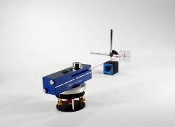 Laser alignment kit checks, measures straightness, flatness, squareness, parallelism, and leveling - TheFabricator