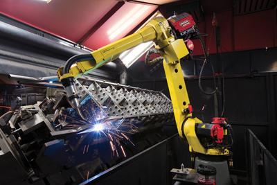 Un robot para soldadura—en continuo movimiento - TheFabricator.com